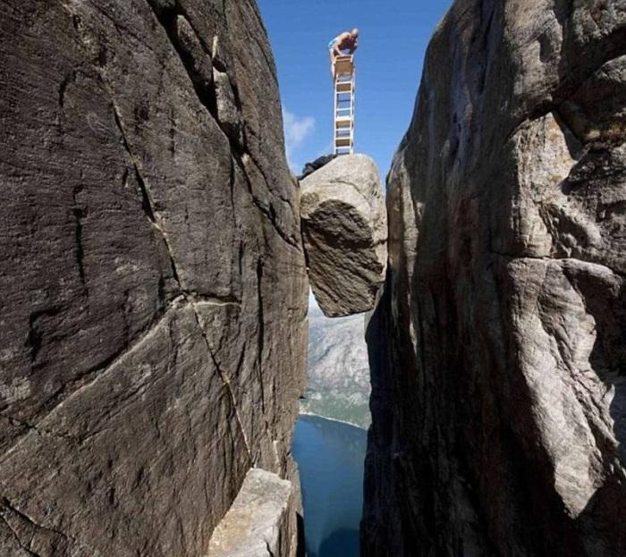 Самые опасные места в мире (28 фото)