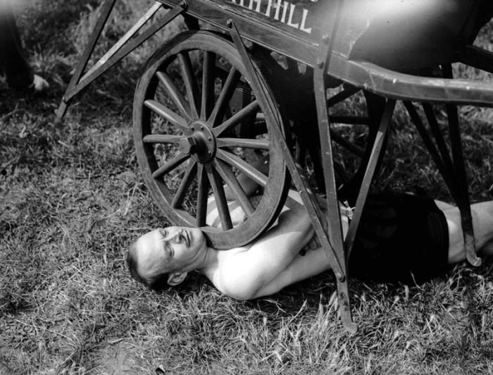 Силачи начала XX века (23 фото)