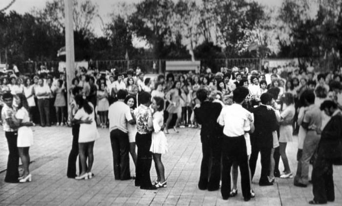 Как проводили досуг советские граждане (21 фото)