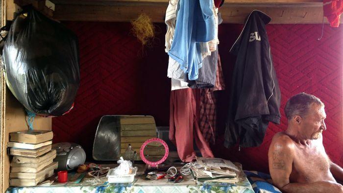 В гостях у добровольного изгоя, живущего на необитаемом острове (16 фото)