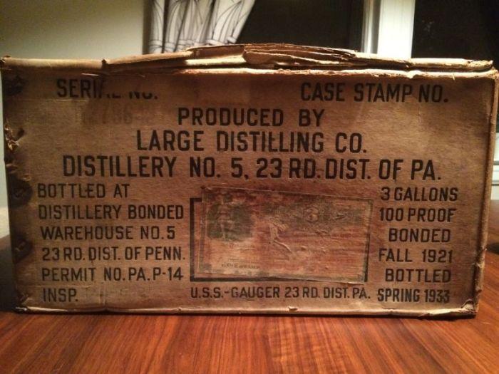 Американец купил полный ящик виски времен сухого закона (10 фото)