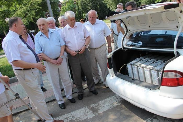 В Украине создали электромобиль на базе Daewoo Lanos (2 фото)