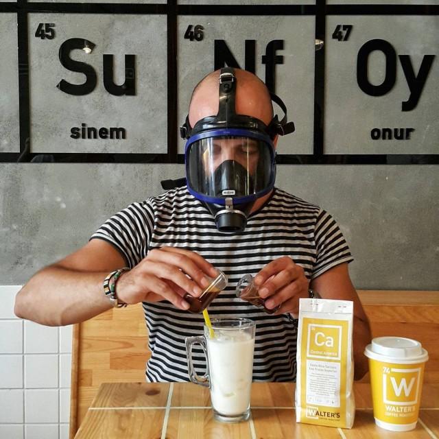 Стамбульское кафе в стиле сериала «Во все тяжкие» (13 фото)