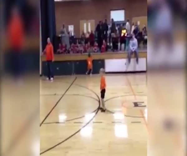 Ребенок и баскетбол