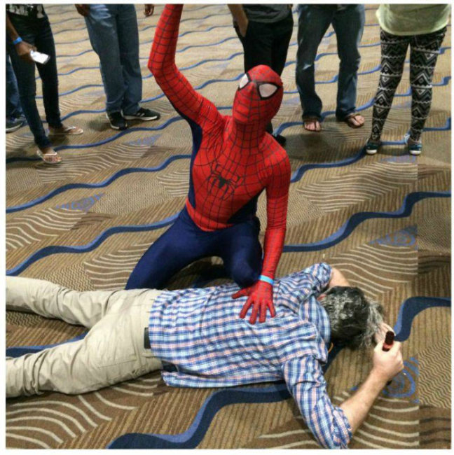 Парень посетил Comic-Con (9 фото)