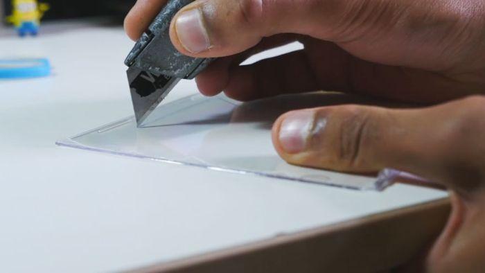 Создание голограммы при помощи смартфона и пластика от коробок для CD-дисков (5 фото + видео)