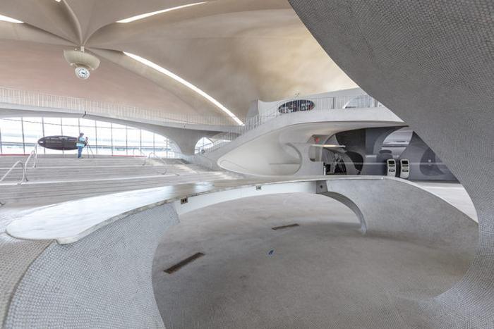 Удивительный заброшенный терминал нью-йоркского аэропорта имени Джона Кеннеди (22 фото)