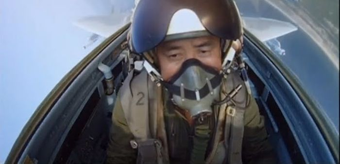 Селфи пилота Северной Кореи из кабины штурмовика СУ-25 (3 фото)