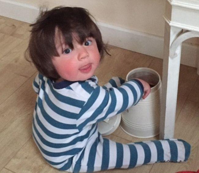 Меленькие дети с густой шевелюрой (25 фото)