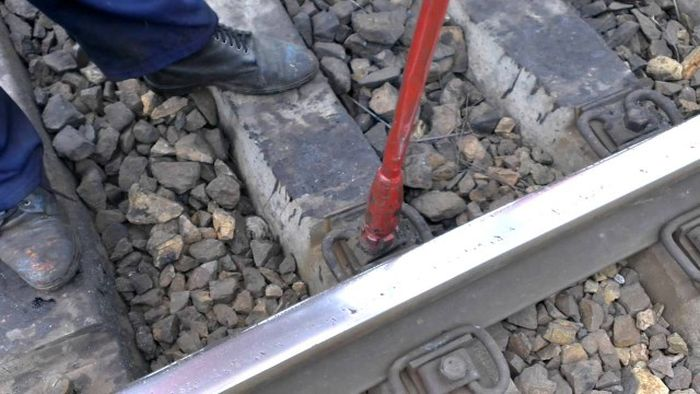 В Мордовии 4 вагона пассажирского поезда сошли с рельс (4 фото)