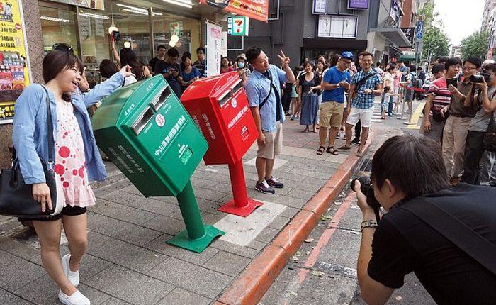 Что случилось с почтовыми ящиками? (2 фото)