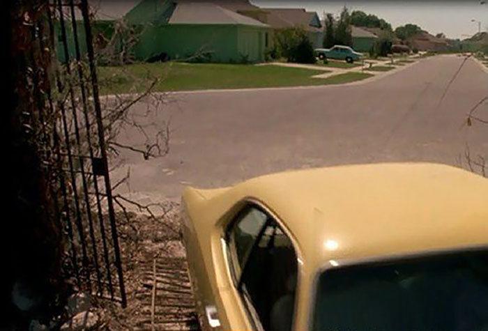 Город из фильма «Эдвард Руки-ножницы» 25 лет спустя (14 фото)