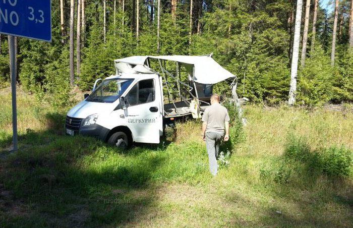 В Ленинградской области на трассе А114 произошло массовое ДТП. Есть пострадавшие (16 фото)