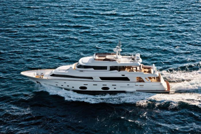 У берегов Греции затонула роскошная яхта стоимостью более 6 миллионов долларов (9 фото + видео)