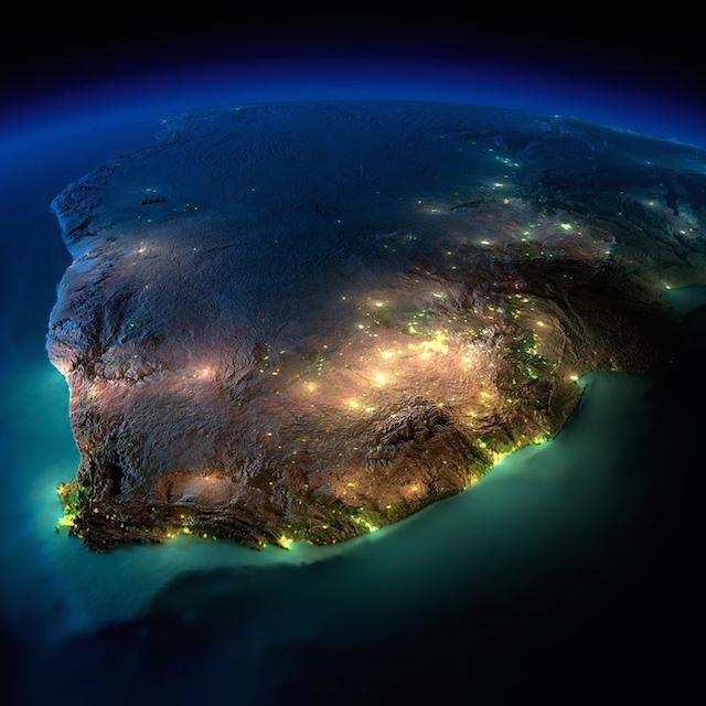 Ночные фото Земли, сделанные из космоса (25 фото)