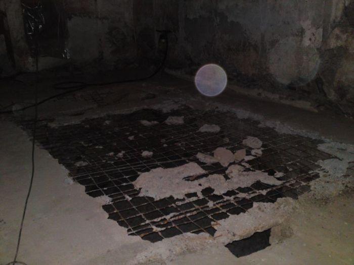Как старый сарай превратился в оригинальную бильярдную (25 фото)