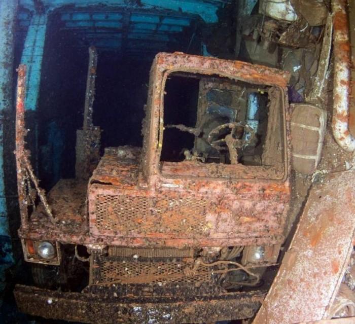Теплоход Salem Express на дне Красного моря спустя 24 года после трагедии (20 фото)