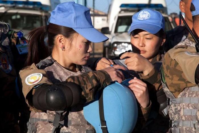 Монгольские девушки (22 фото)