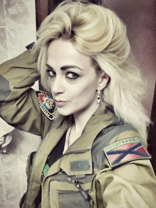 Бывшая участница проекта «Дом-2» Наталья Хим пригласила Ксению Собчак на Донбасс (23 фото)