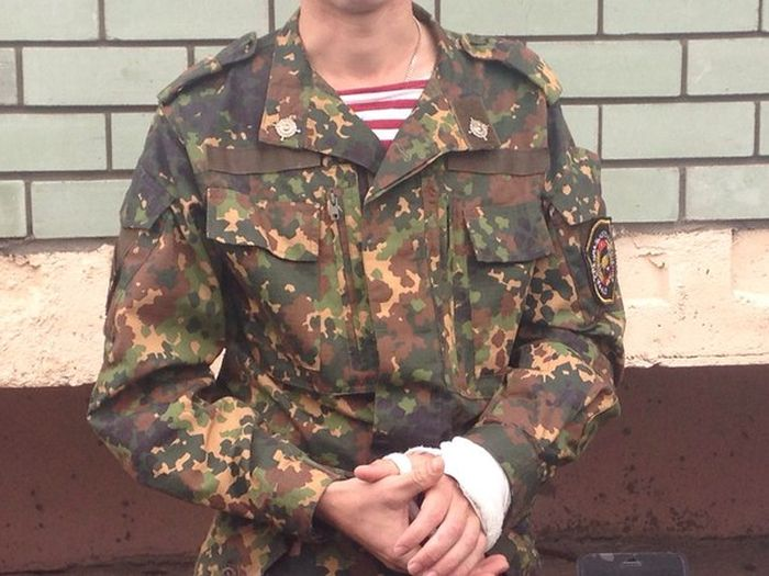В Казани боец спецназа налету поймал девочку, упавшую с 6-го этажа (5 фото)