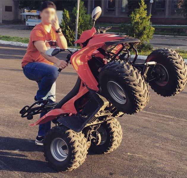 В Севастополе за езду без прав попался 14-летний сын гендиректора «Запад Транснефтепродукт» (3 фото)