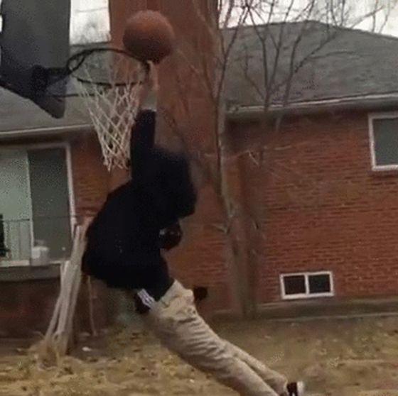 Им явно не стать хорошими баскетболистами (24 гифки)