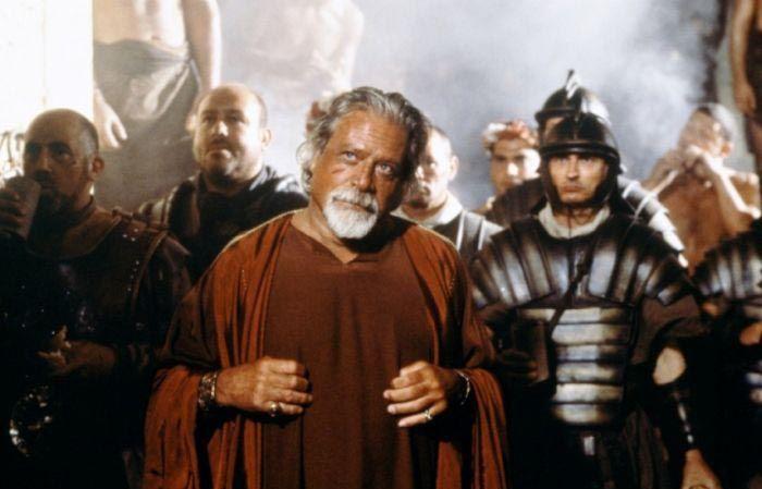 Как умер актер Оливер Рид, Проксимо из фильма «Гладиатор» (2 фото)