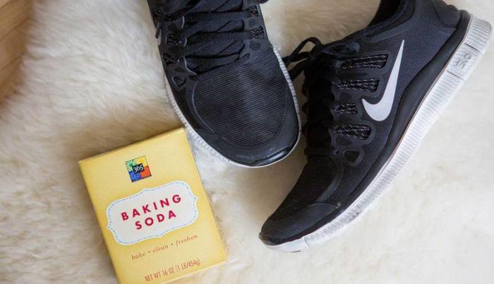 Простые лайфхаки, которые помогут решить проблемы с одеждой и обувью (15 фото)