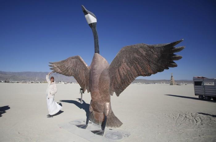 Как проходит фестиваль «Burning Man» 2015 (52 фото)