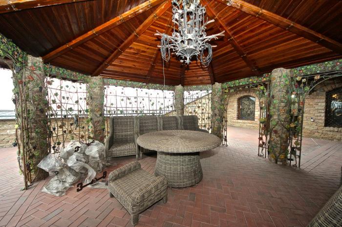 Роскошный дворец в подмосковном пентхаусе (41 фото)