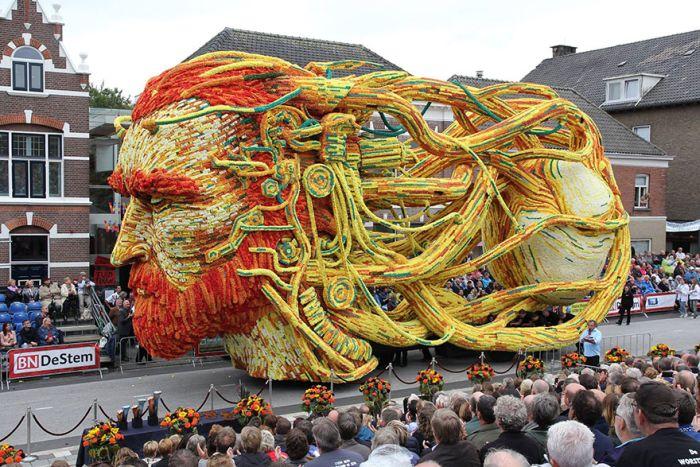 В голландском городе Зюндерт прошел традиционный парад цветов (14 фото)