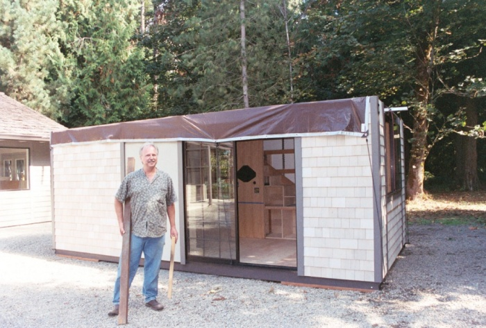 Крошечный дом американского архитектора Криса Хейнинга (12 фото)