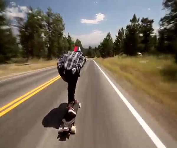 Поездка на скейте со скоростью более 110 км/ч
