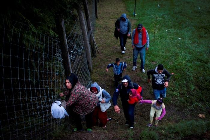 На что надеются беженцы, бегущие в Евросоюз (34 фото + видео)