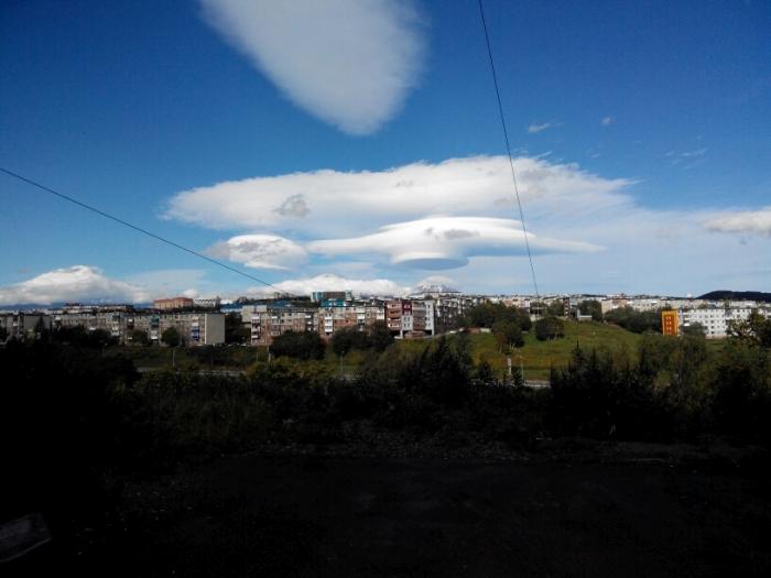 Необычные облака в небе над Камчаткой (7 фото)