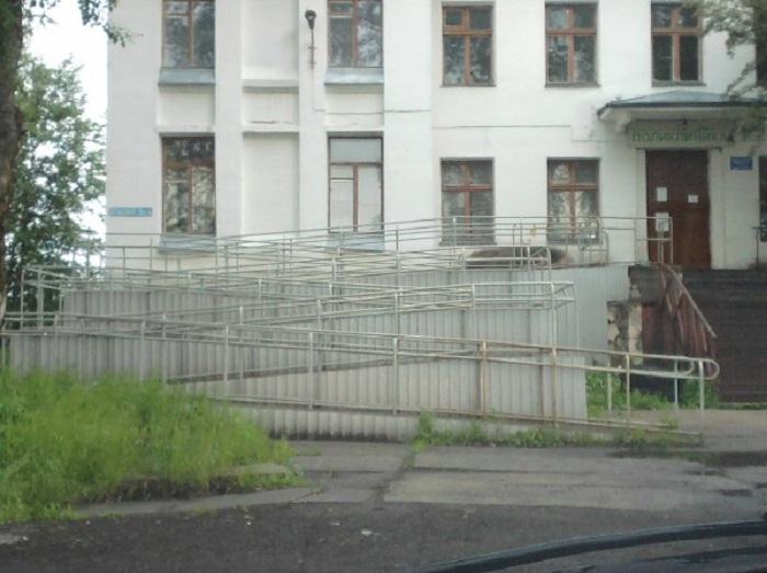 Пандусы, которыми невозможно пользоваться (20 фото)