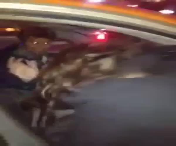 Таксист украл мобильный телефон