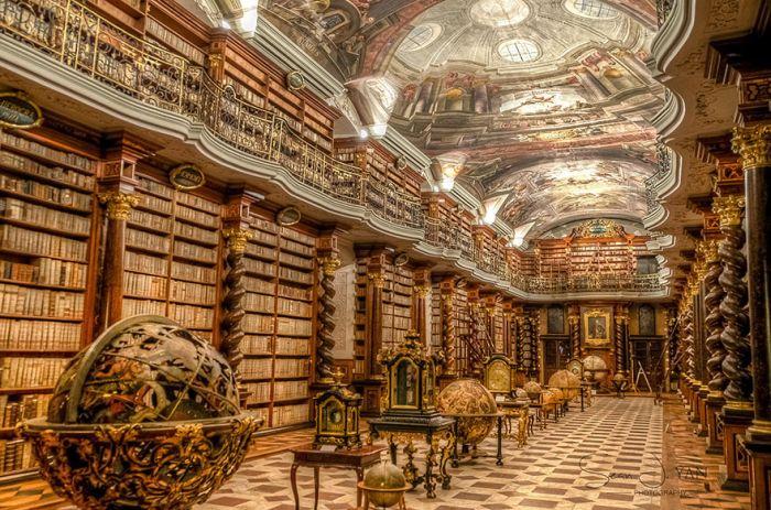 Национальная библиотека Чешской Республики – одна из самых красивых библиотек в мире (7 фото)