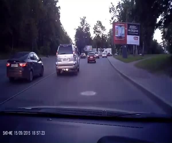 Полицейский попытался сделать замечание водителю
