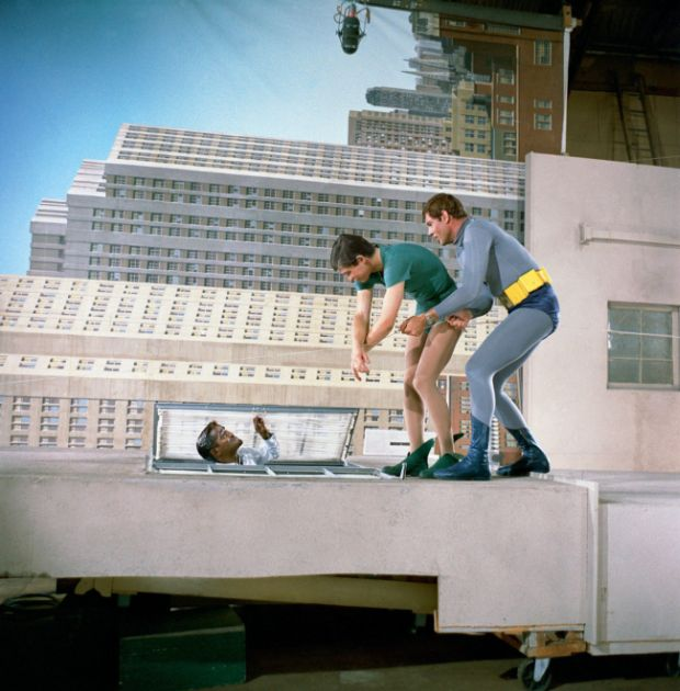 Съемки телесериала «Бэтмен», 1966 год (2 фото)