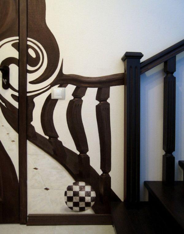 Рисунок на входной двери (2 фото)