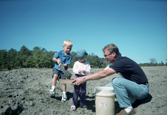 Алмазный кратер в Мерфрисборо, штат Арканзас, США. Всё что найдёшь - твоё (15 фото)