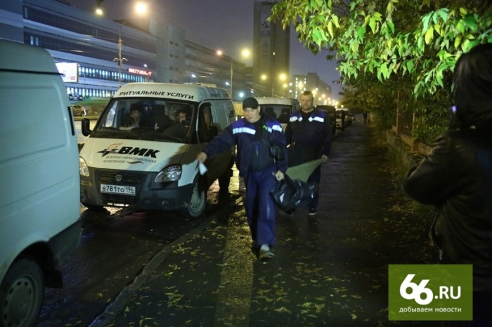 В Екатеринбурге устроили рэкет на телах умерших людей (29 фото)