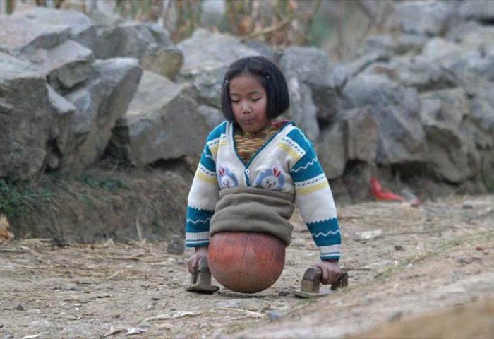 Сильная духом девочка (4 фото)