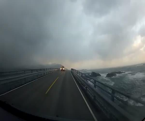 Удивительное шоссе в Норвегии