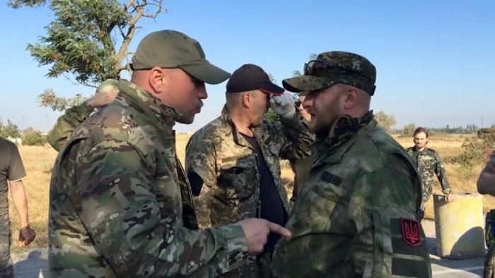Крыму устроили продовольственную блокаду (9 фото + 2 видео)