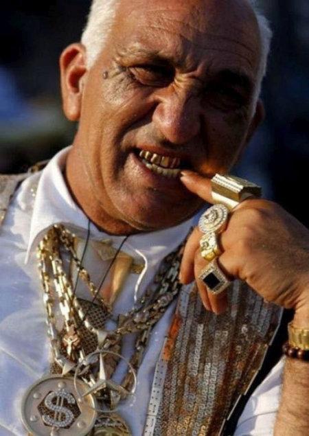 Показная роскошь богатых цыганских семей (35 фото)