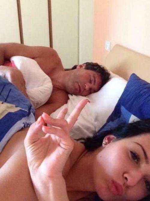 Хоккеиста Яромира Ягра попытались шантажировать пикантным селфи (8 фото)
