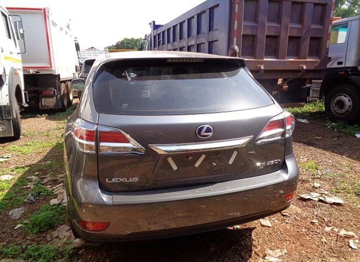 В Уганде нашли угнанные в Великобритании машины на сумму более 1,5 миллионов долларов (7 фото + видео)