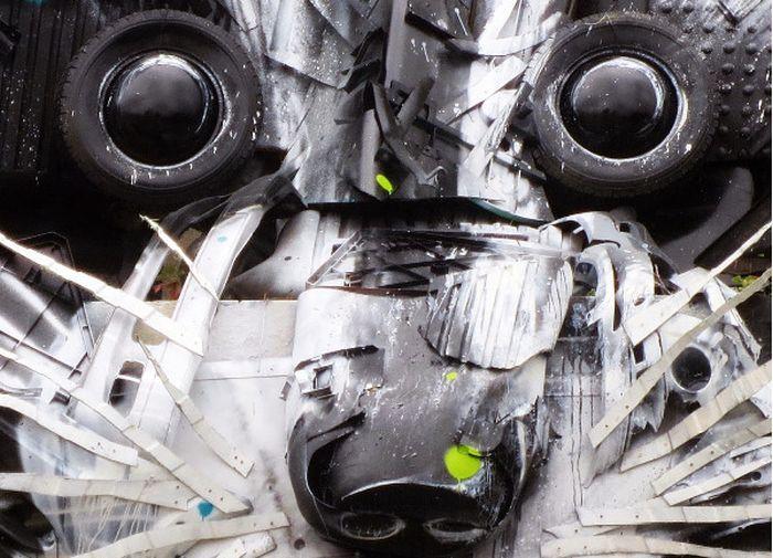 Арт-инсталляция «Большой енот» в Лиссабоне (3 фото)